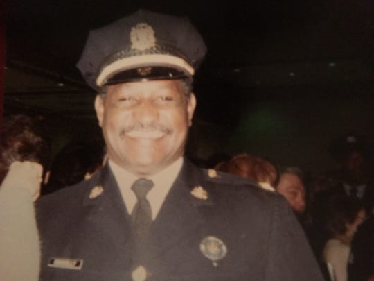 Lawton Connelly served as East Lansing's police chief from 1991-2000. He died on Nov. 15.