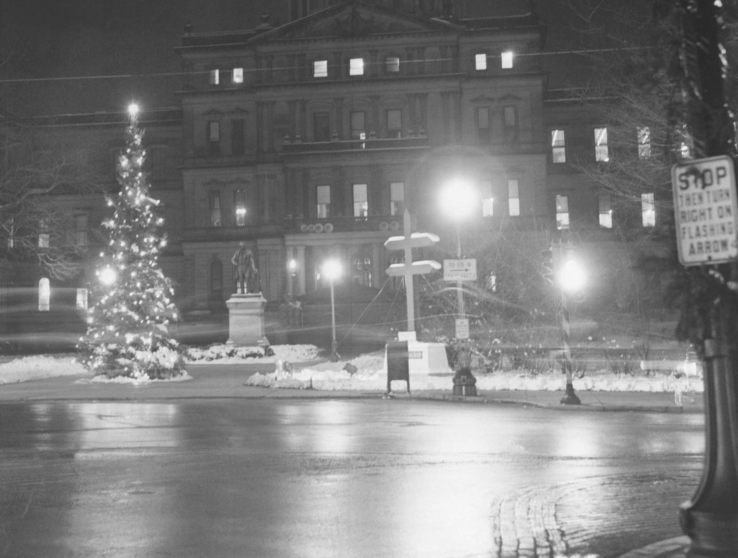 The Capitol in Lansing in 1941.