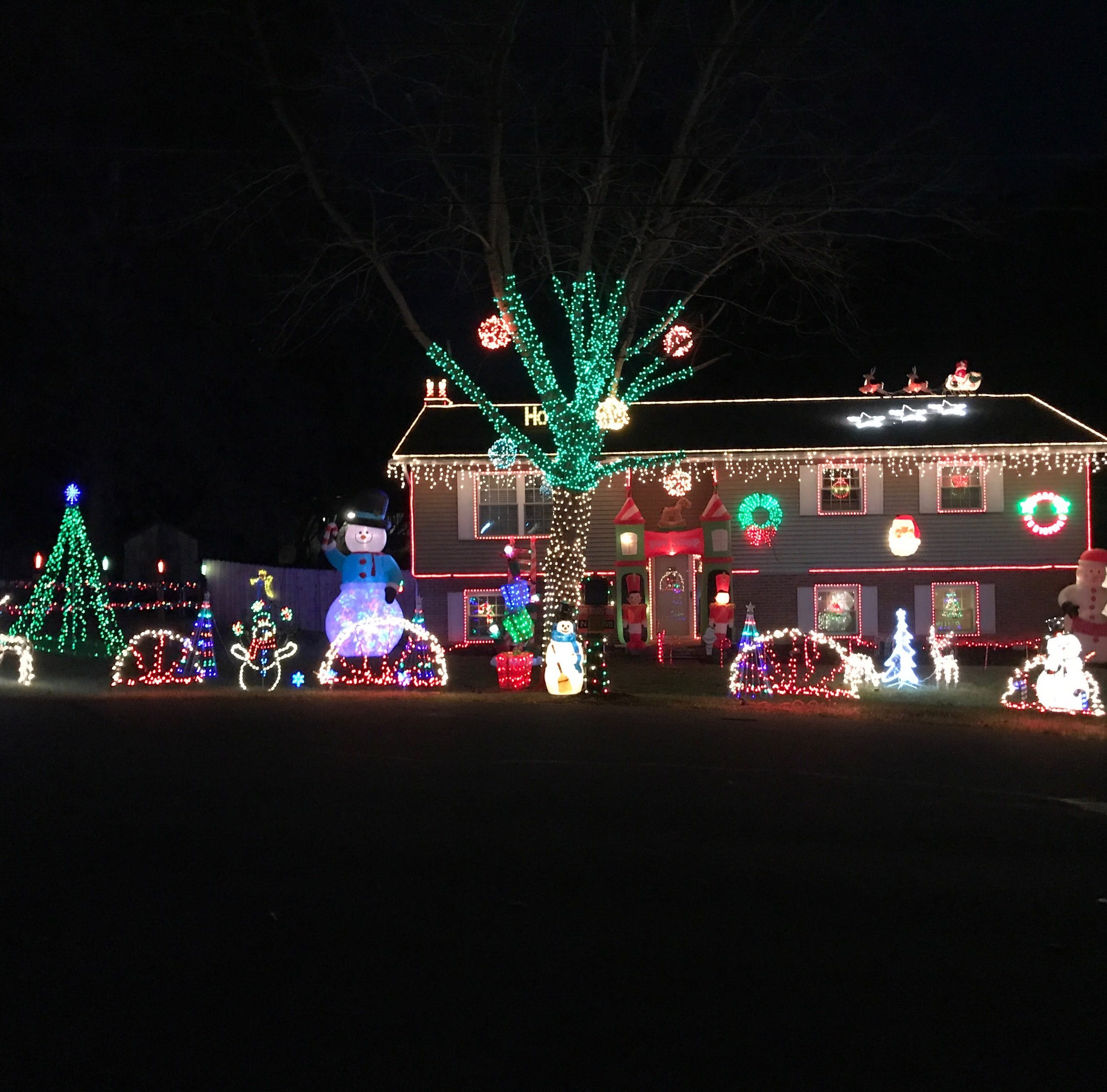 Vote for Licking County's top holiday lights