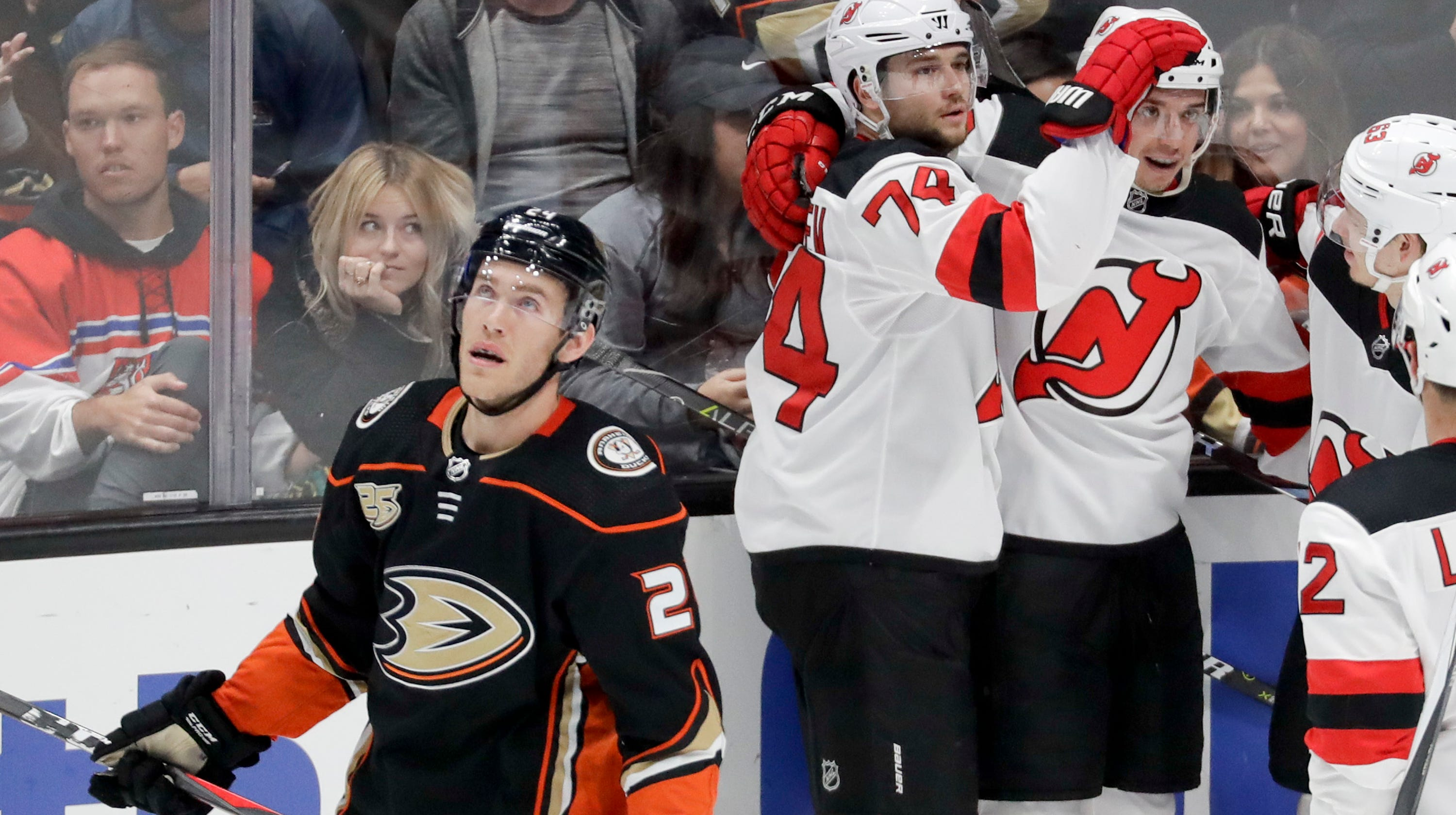7e5e0e7f6 NJ Devils score 3 times on own net in 6-5 shootout loss to Ducks