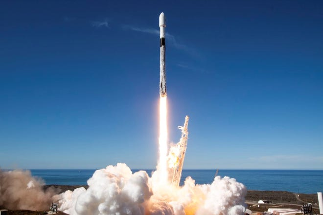 Space Test Program Satellite 5 (STPSat-5) launches aboard Spaceflight Industries' commercial smallsat rideshare mission, Dec. 3, 2018. The Falcon 9 lifted off from Space Launch Complex 4E on Vandenberg Air Force Base, Calif., at 10:34 PST.