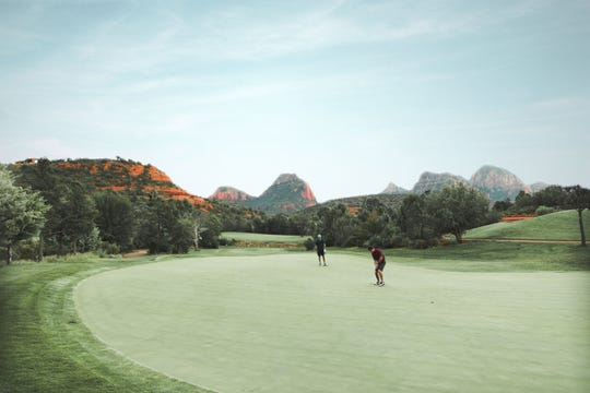 Seven Canyons' golf course offers its Members a challenging 18 holes every game.