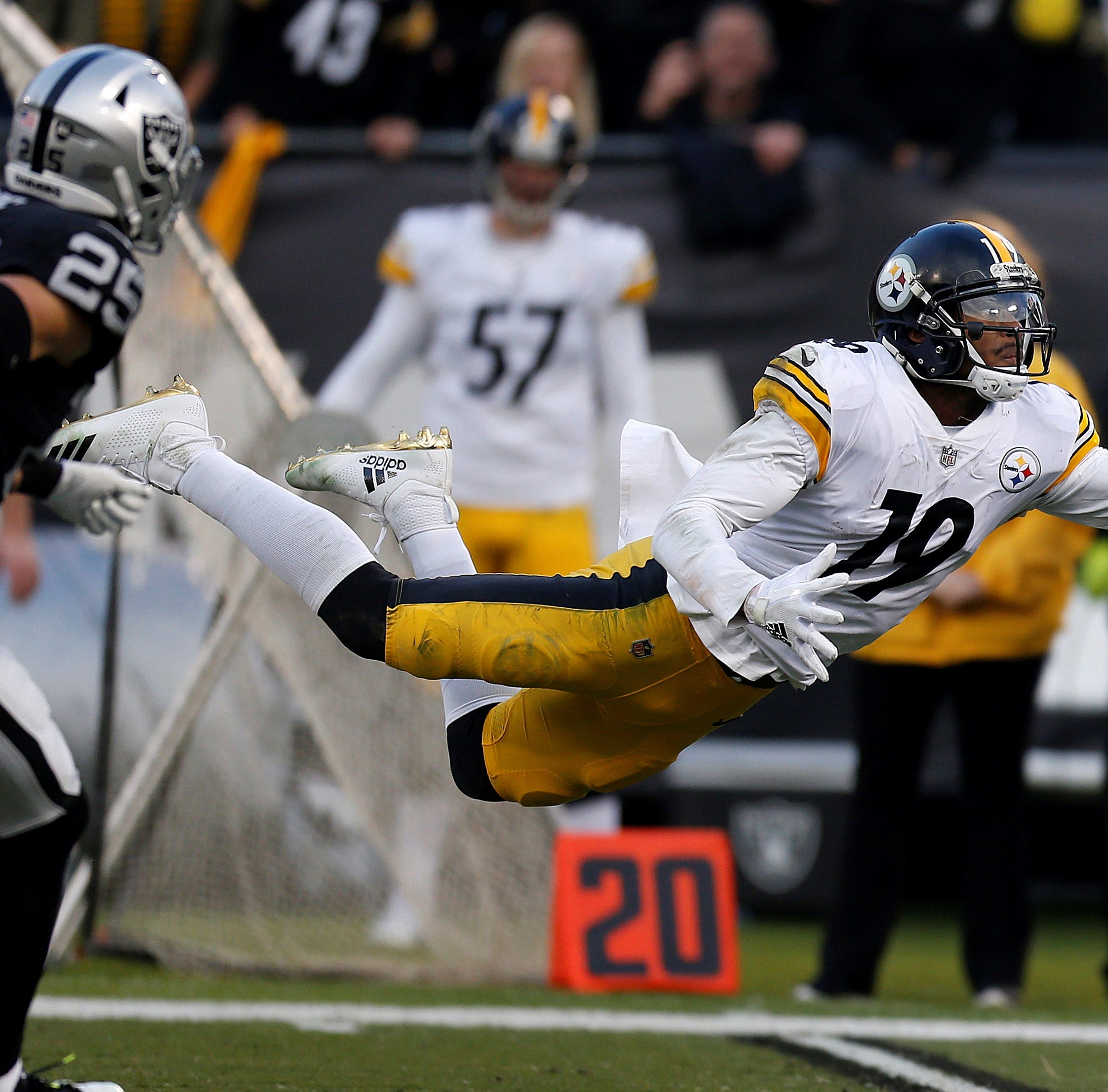 Botched field goal attempt on game's final play dooms Steelers in 24-21 loss to Raiders