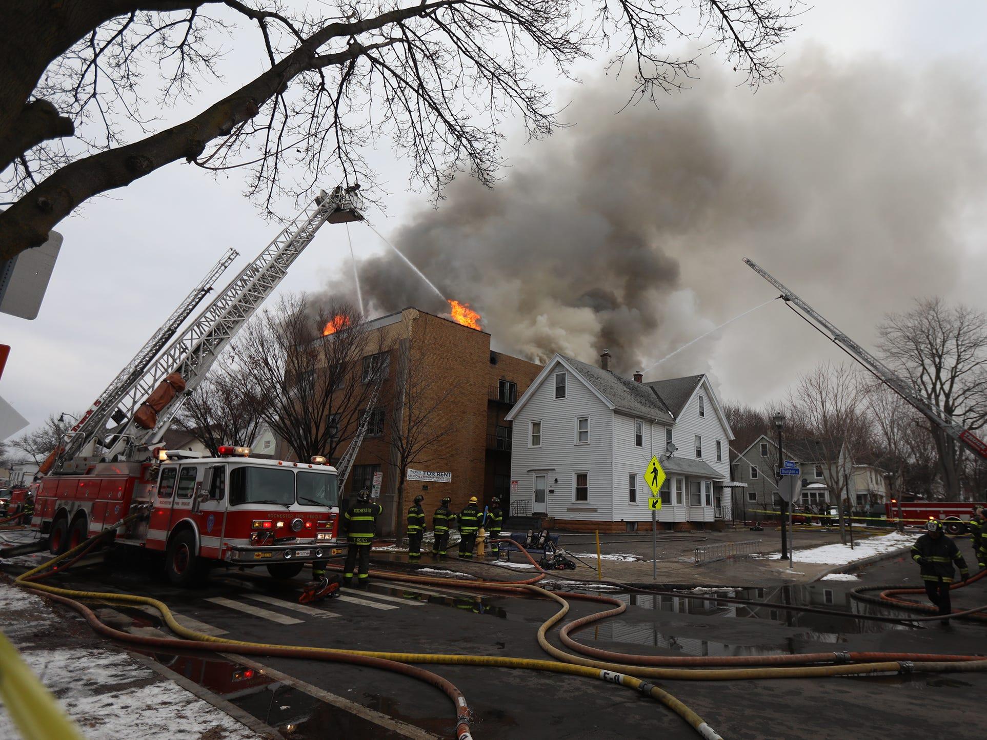 Crews battle 5-alarm fire at apartment building on Thurston Road