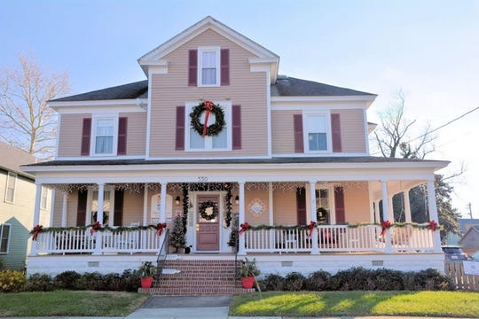 Alyssa House Bed And Breakfast is part of the 2018 Town of Cape Charles and the Cape Charles Bed and Breakfast Association's Historic Cape CharlesCookie Trail.