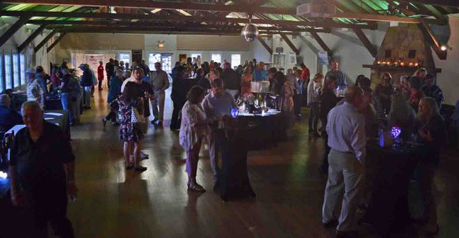 Held at the Heritage Center, the Vero Vino Festival dazzled  guests with delicious pairings from Wild Thyme Catering, Sweet Creations and a selection of domestic and international wines, provided by beachside restaurant Grind &Grape.
