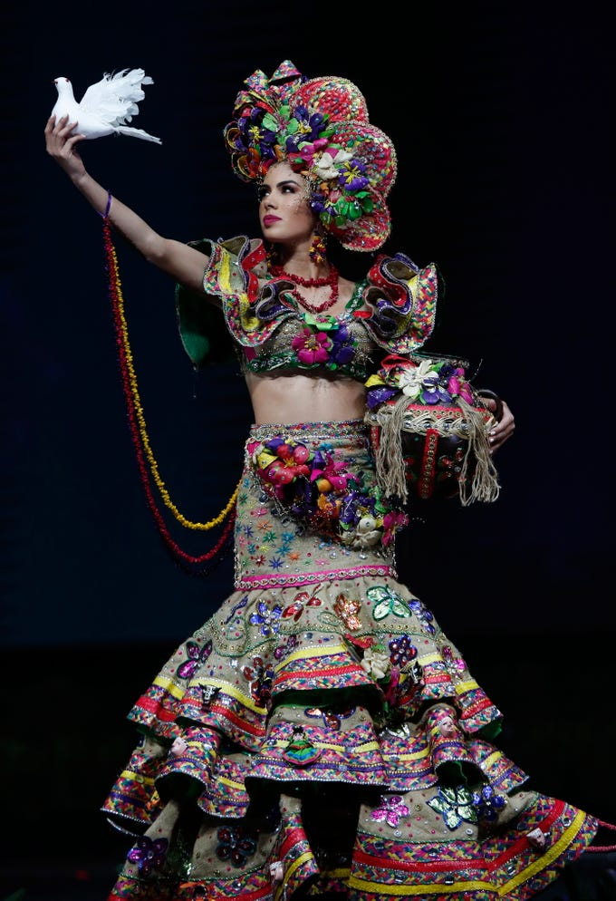 epa07222190 Miss Nicaragua Adriana Paniagua poses in her national costume during the Miss Universe 2018 national costume contest at Nongnooch International Convention and Exhibition Center in Pattaya, Chonburi province, Thailand, 10 December 2018. Women representing 94 nations participate in the 67th beauty pageant Miss Universe 2018 which will be held in Bangkok on 17 December 2018.  EPA-EFE/RUNGROJ YONGRIT   EDITORIAL USE ONLY ORG XMIT: RUN1382