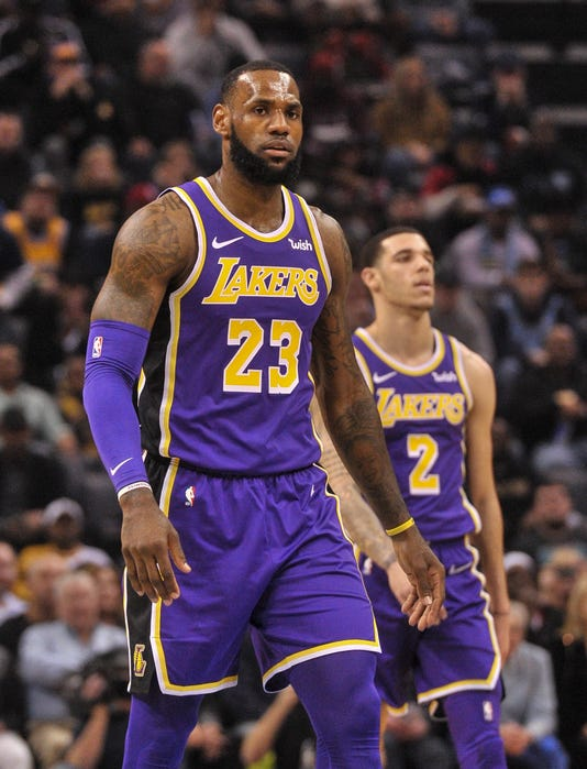 5bd5de1b5f8 LeBron James, Lakers can wait for summer to aim high, or go for it now