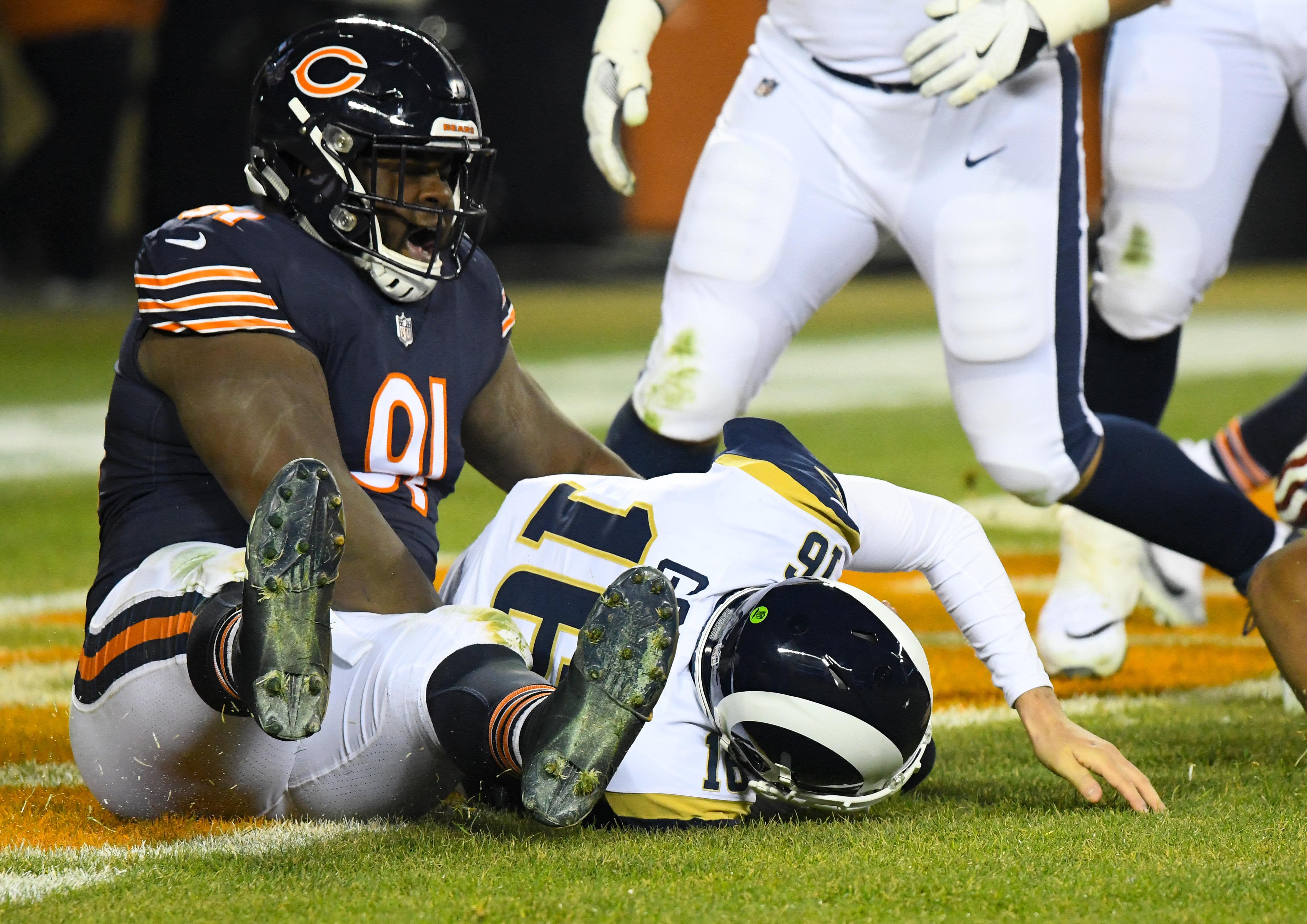 Bears' defense leaves red-hot Rams out in the cold