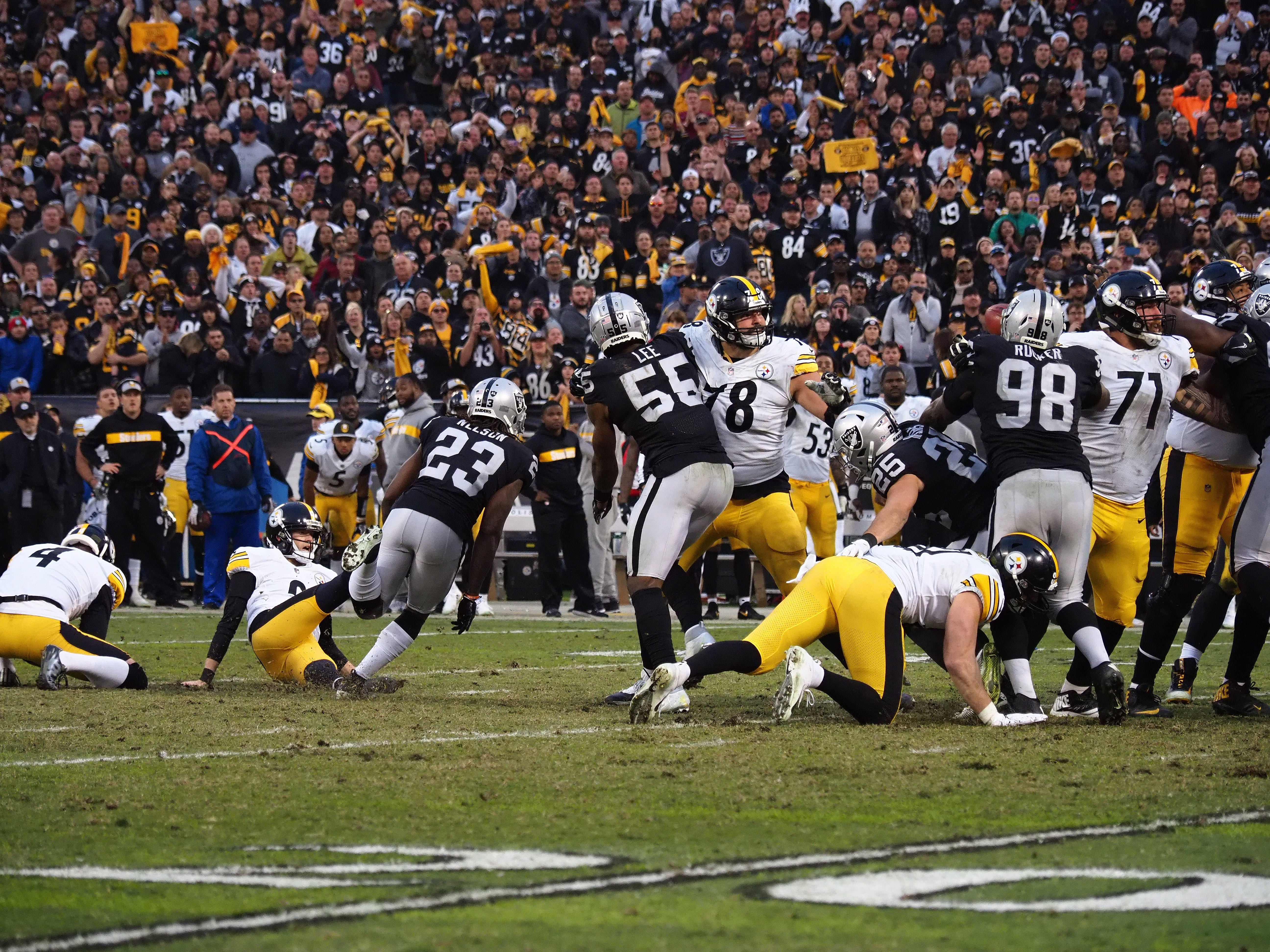 Steelers lose to Raiders as kicker Chris Boswell falls on potential  game-tying kick 3cb0ebe2c