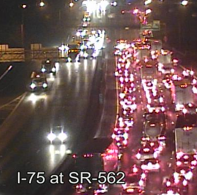 Multi-vehicle crash closes NB I-75