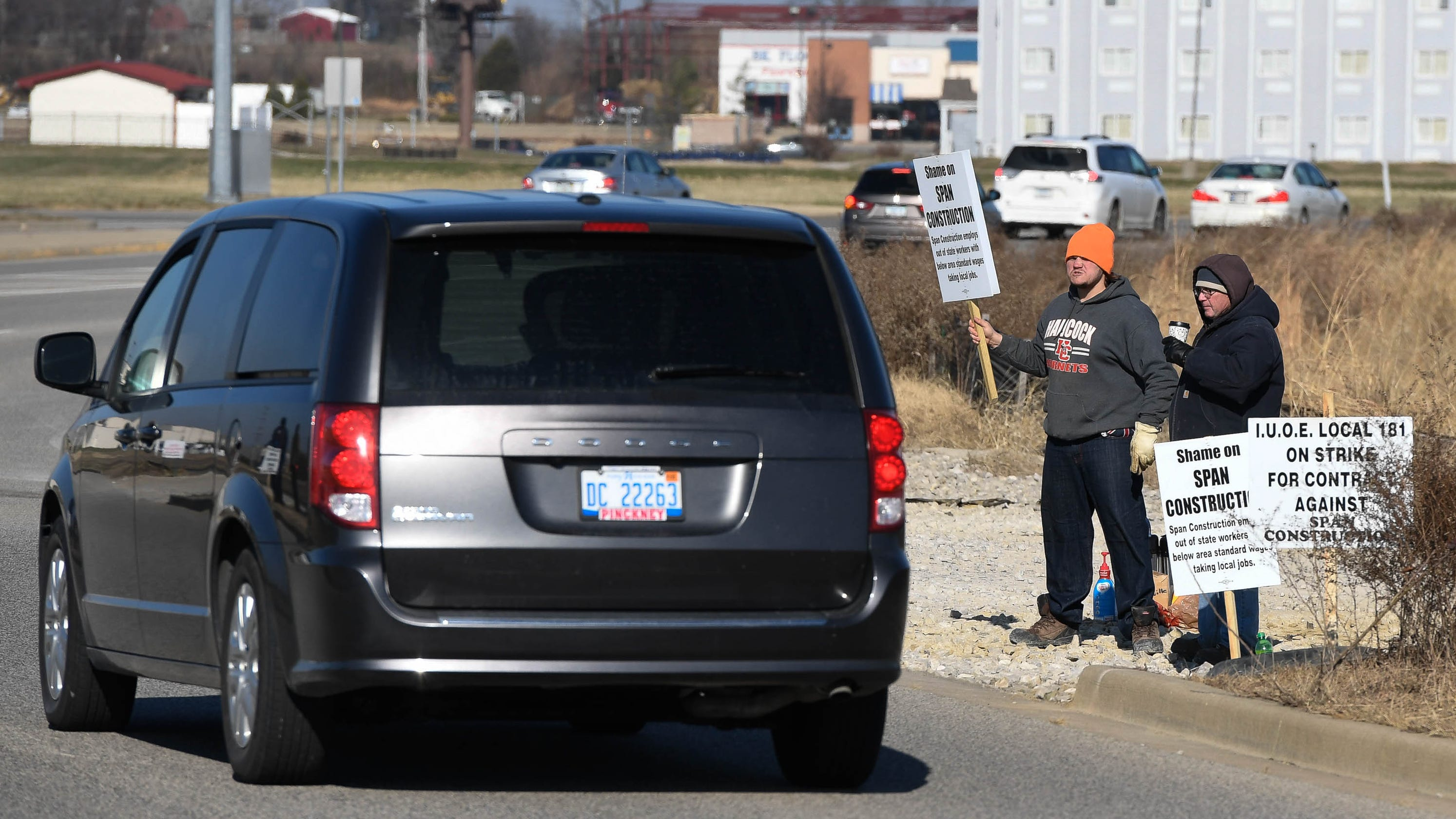 Costco Wholesale site in Evansville picketed by local unions