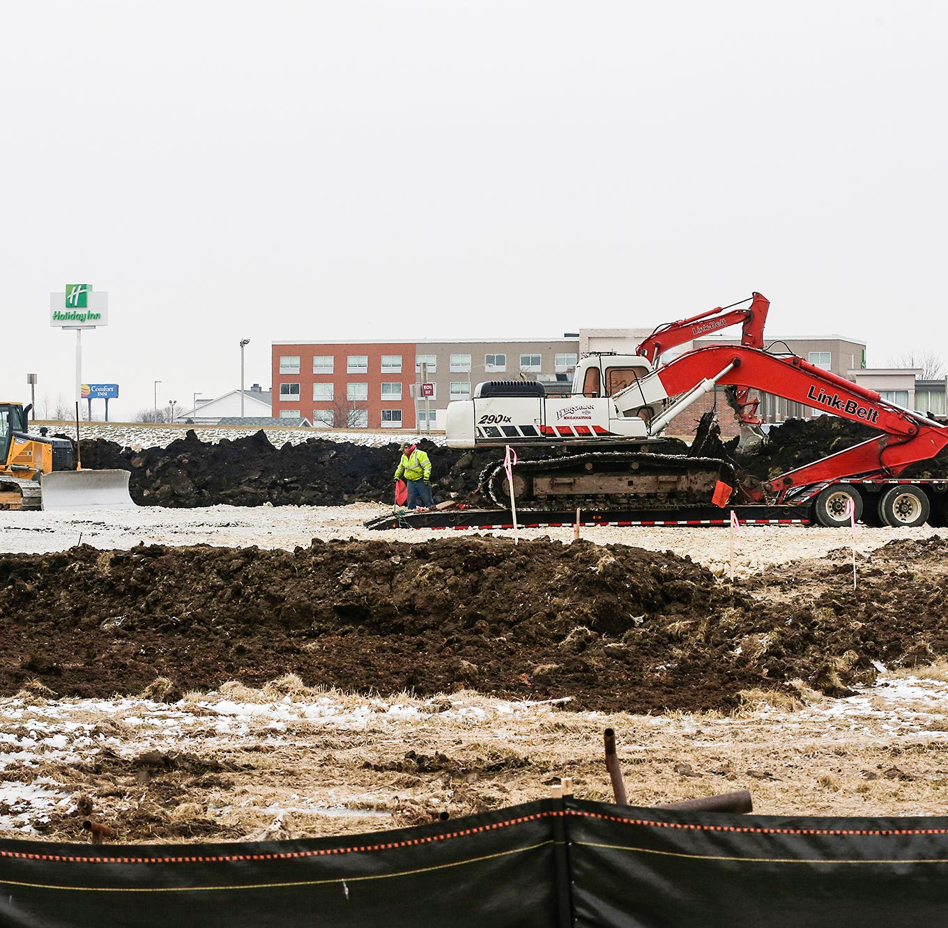 Streetwise: Hotel under construction on Fond du Lac's Rolling Meadows Drive