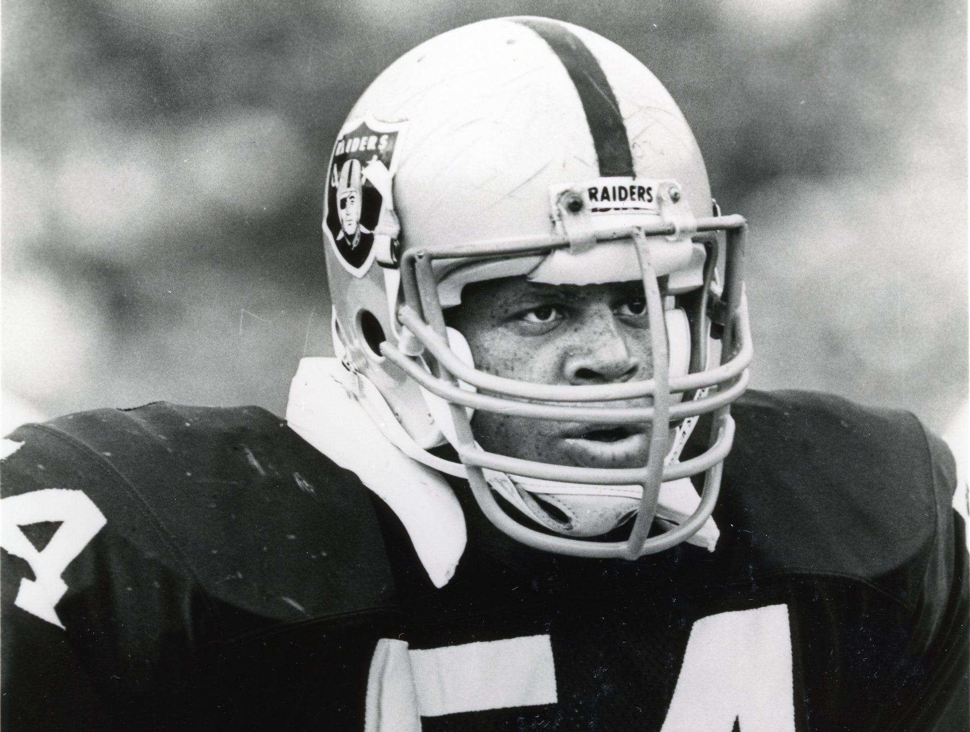 Reggie McKenzie, August, 1989 with the Los Angeles Raiders.