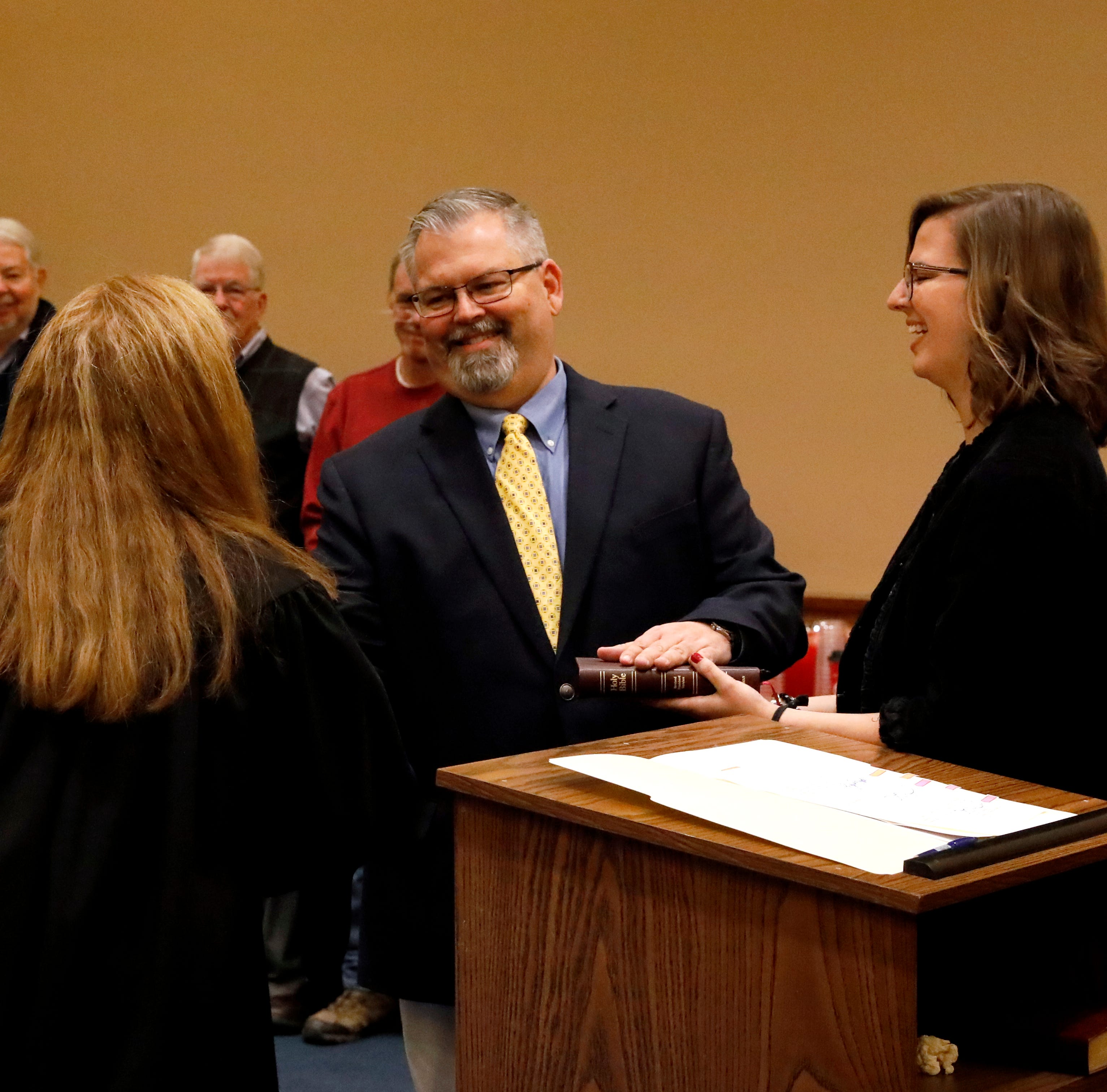 Jeff Fix sworn in as county commissioner