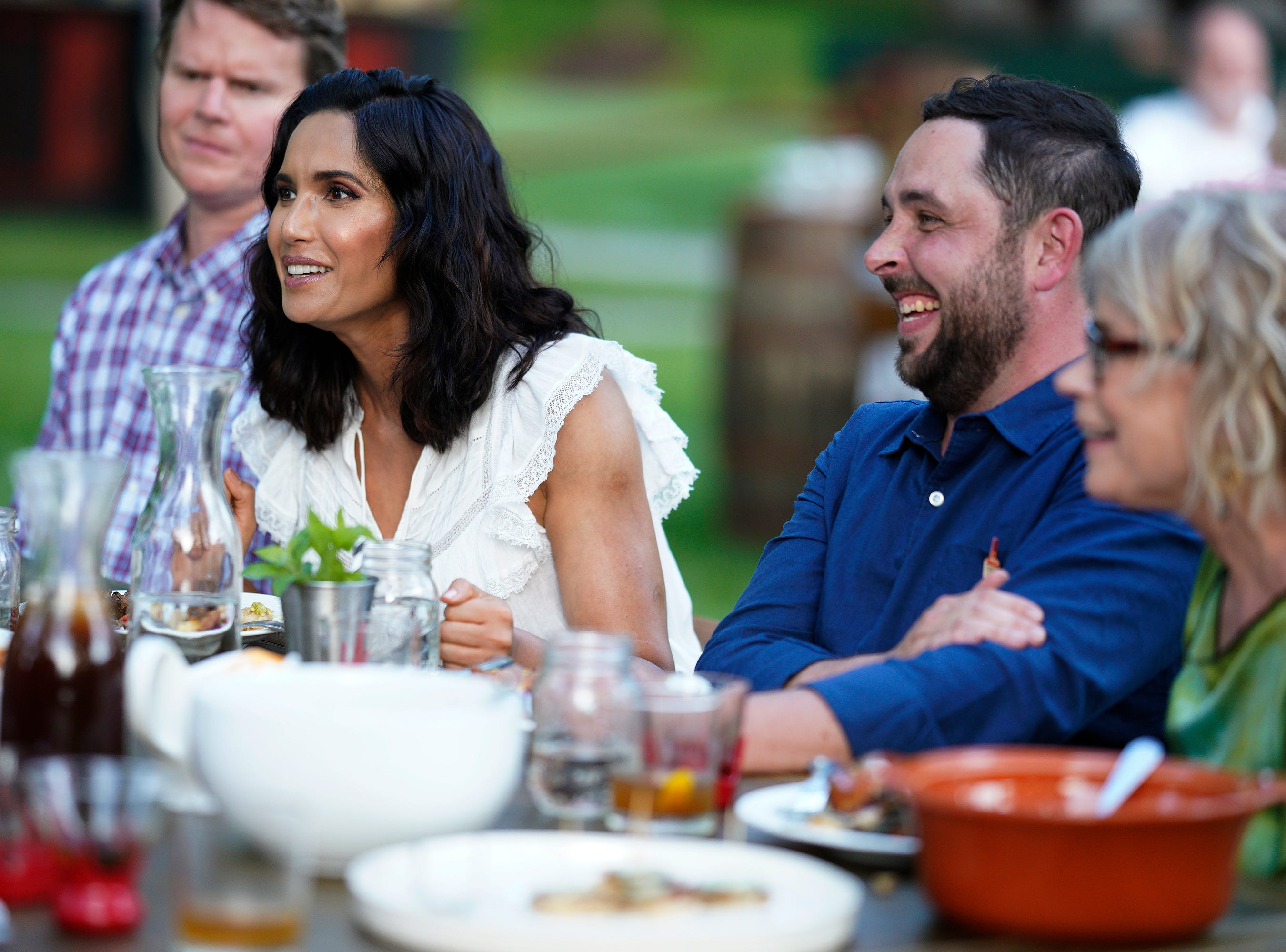 """Host Padma Lakshmi and guest judge Newman Miller critique contestants' dishes on episode 2 of """"Top Chef"""" season 16."""