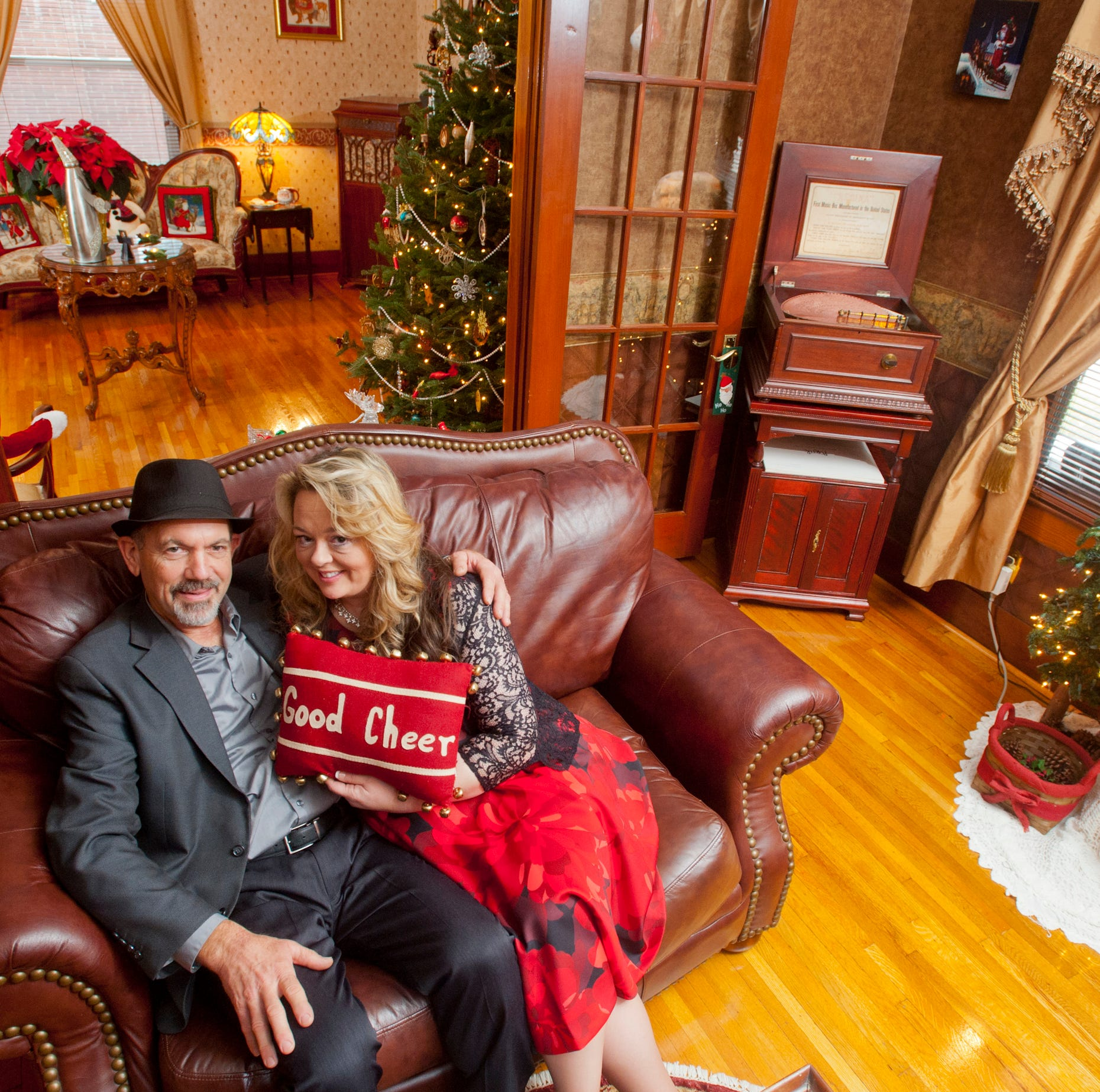 Portland bungalow-style home boasts 'old Christmas movie' holiday vibe