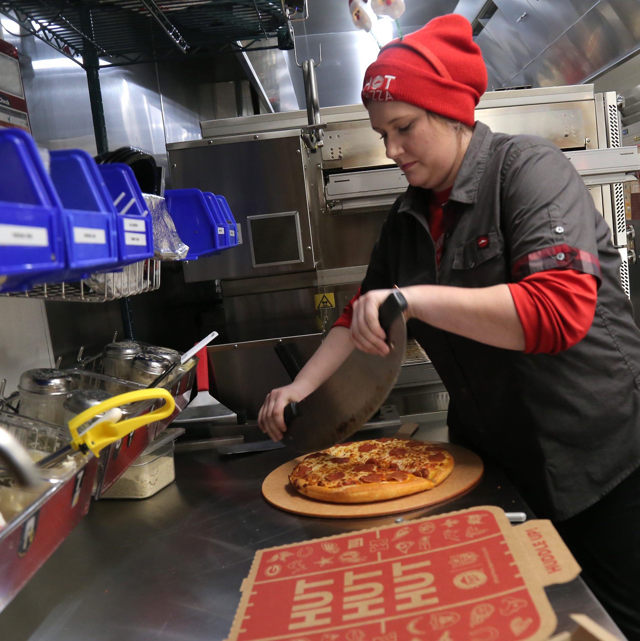 Newly constructed Pizza Hut now serving in Mansfield
