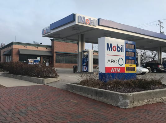 Shorewood Mobil station
