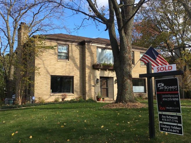 November home sales rose slightly in metropolitan Milwaukee.