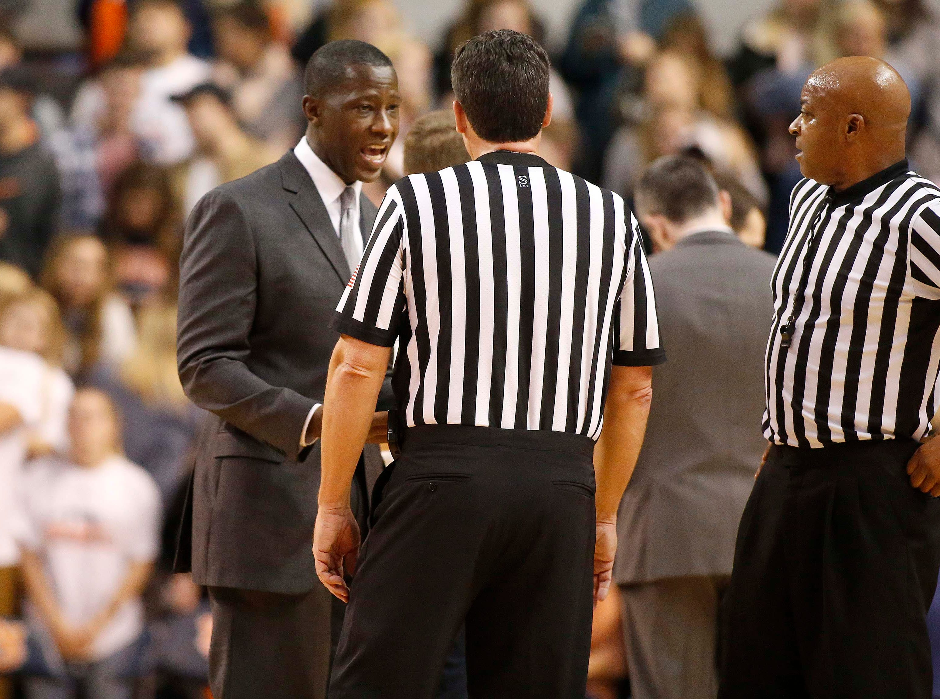 Dec 8, 2018; Auburn, AL, USA; Dayton Flyers head coach Anthony Grant talks to officials during the first half against the Auburn Tigers at Auburn Arena. Mandatory Credit: John Reed-USA TODAY Sports