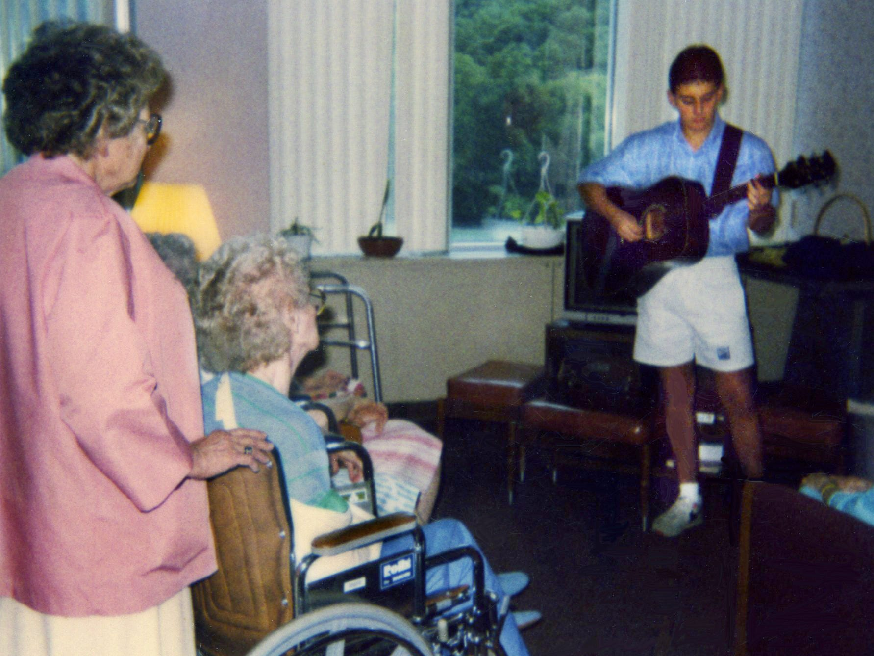 Brad Paisley, 19, plays for patients at Reynold Memorial Hospital in Glen Dale, W. Va., on Aug. 6, 1991.