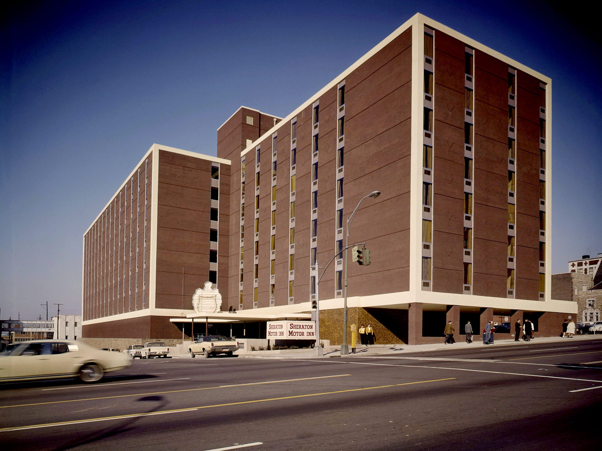 Still missing part of its sign, the new Sheraton Motor Inn at 10th and Broadway is now serving guests Dec. 11, 1968. Sheraton Nashville, with its 300 guest rooms, is the newest lure for travelers and convention-goers.