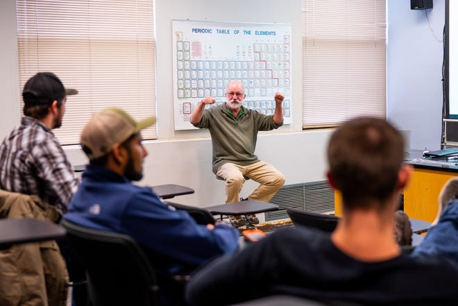 Philip Hastings of Scripps Institution of Oceanography speaks to Western New Mexico University ichthyology students, who now have the opportunity to study deep-sea fish specimens new to WNMU's collection thanks to a donation from Scripps.