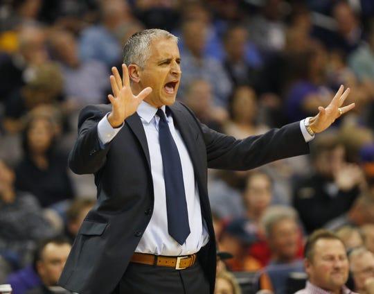 Phoenix Suns head coach Igor Kokoskov instructs his team against the LA Clippers during the first half in Phoenix, Ariz. December 10.