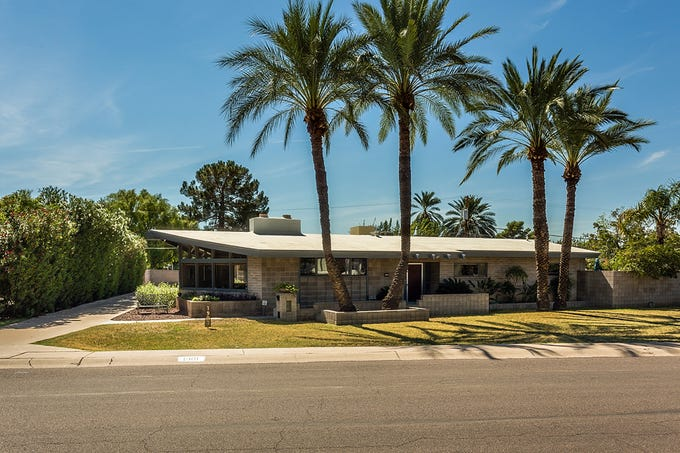 Gene Cohen and Anne Thompson's mid-century modern home near 16th Street and Bethany Home Road.