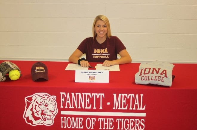 Fannett-Metal's Morgan Ritchey signing her letter of intent to play softball for Iona.