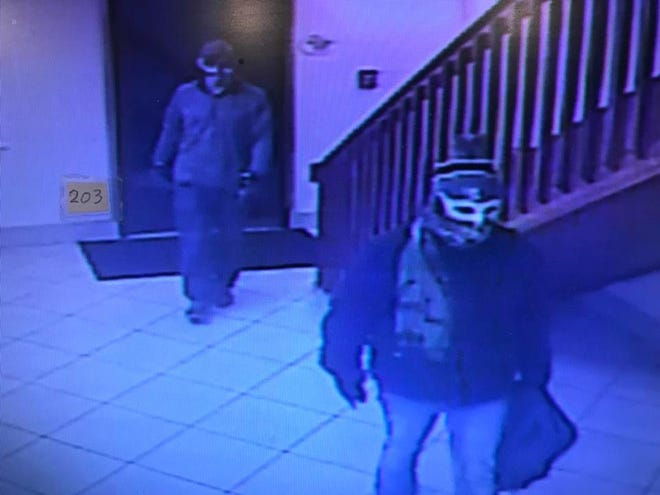 Anderson police are asking for the public's help in identifying these two robbery suspects.