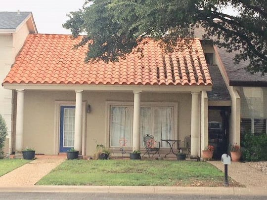 This townhome at 2566 Sunset Drive is up for sale at $162,900. Built in1977, this home is a short drive from the Sunset Mall, 4001 Sunset Drive.