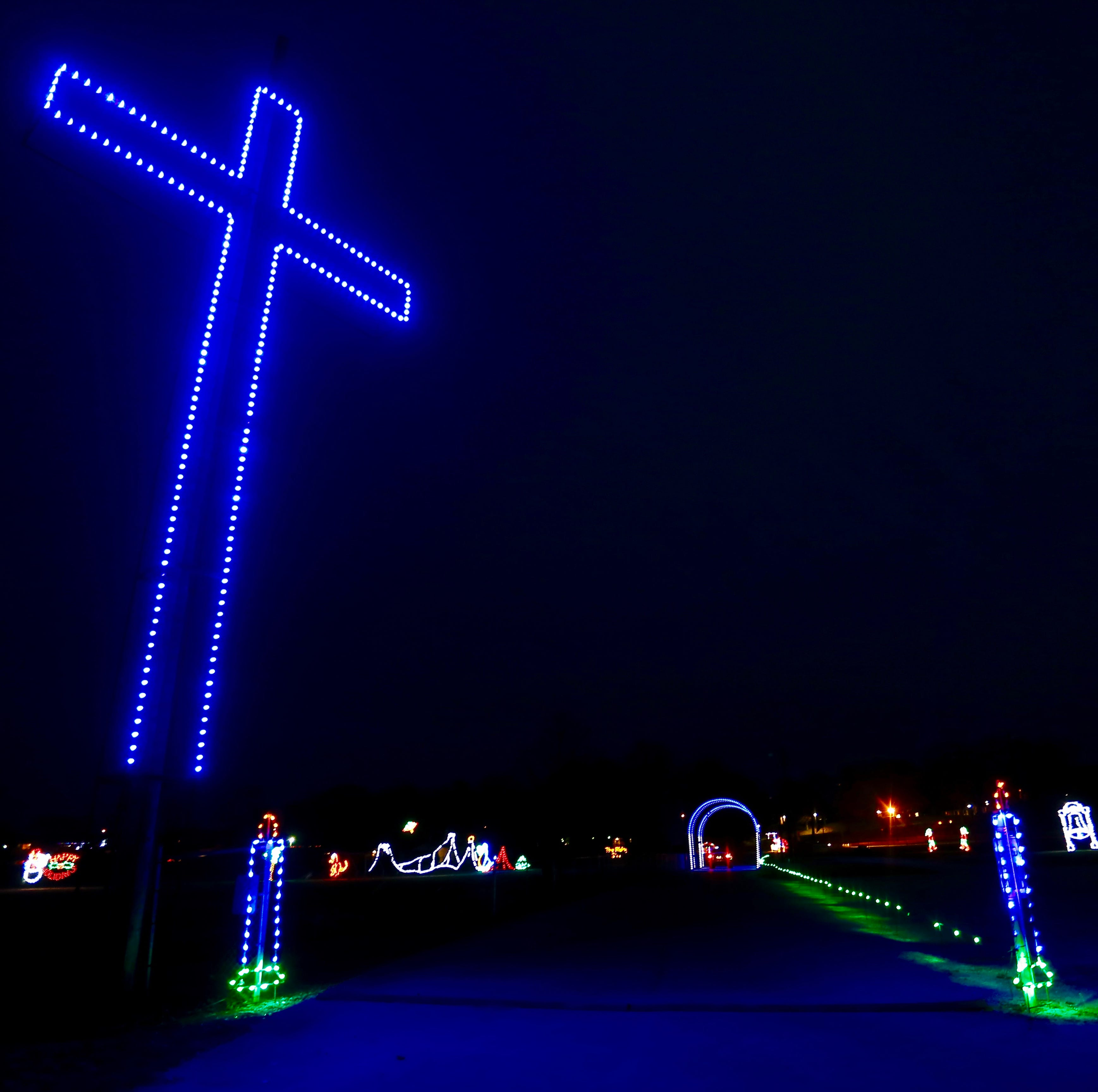 Ozark embroiled in controversy over cross in Finley River Park holiday lights display