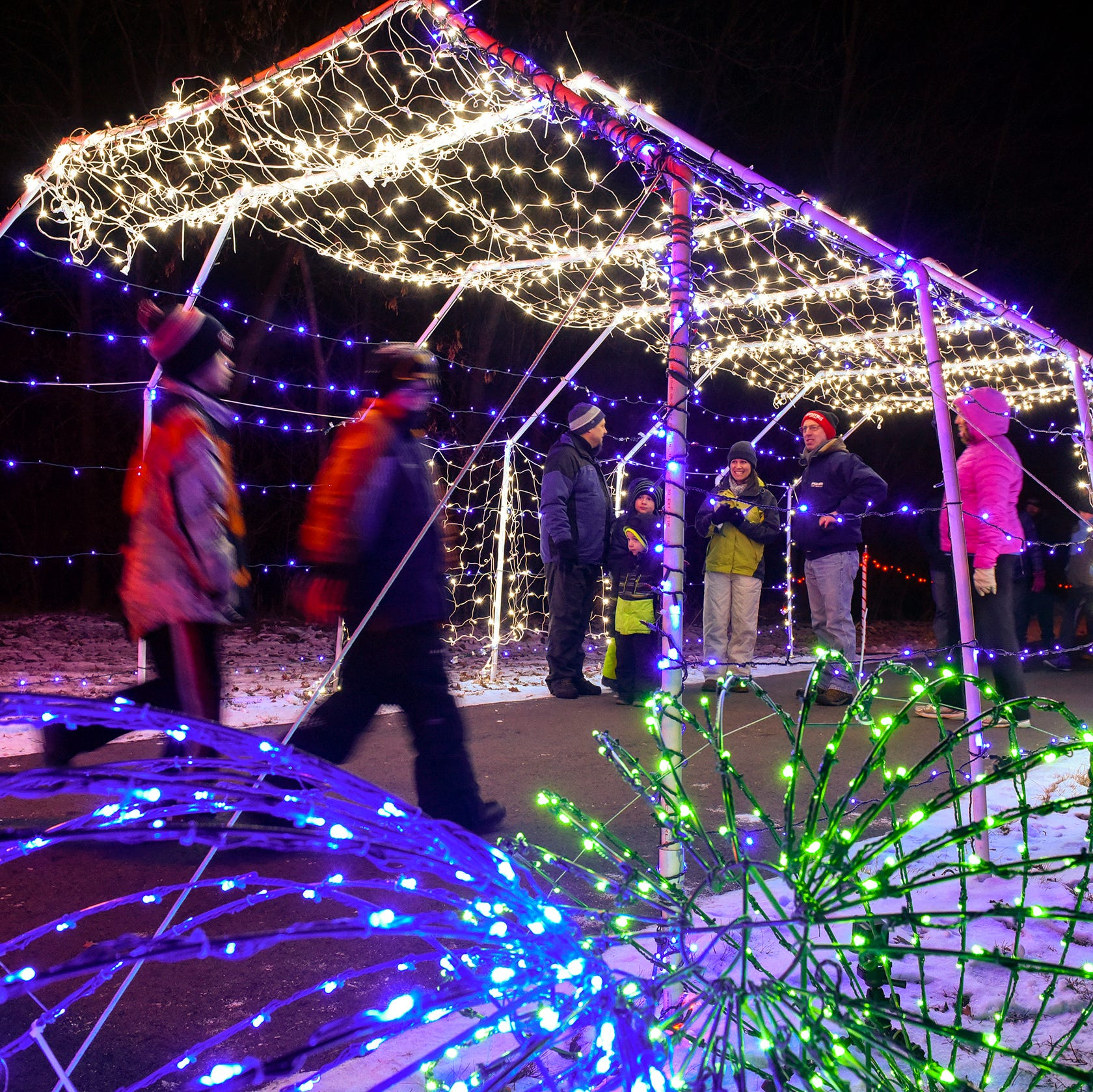 Sartell Country Lights Festival brings holiday cheer to thousands in its second year