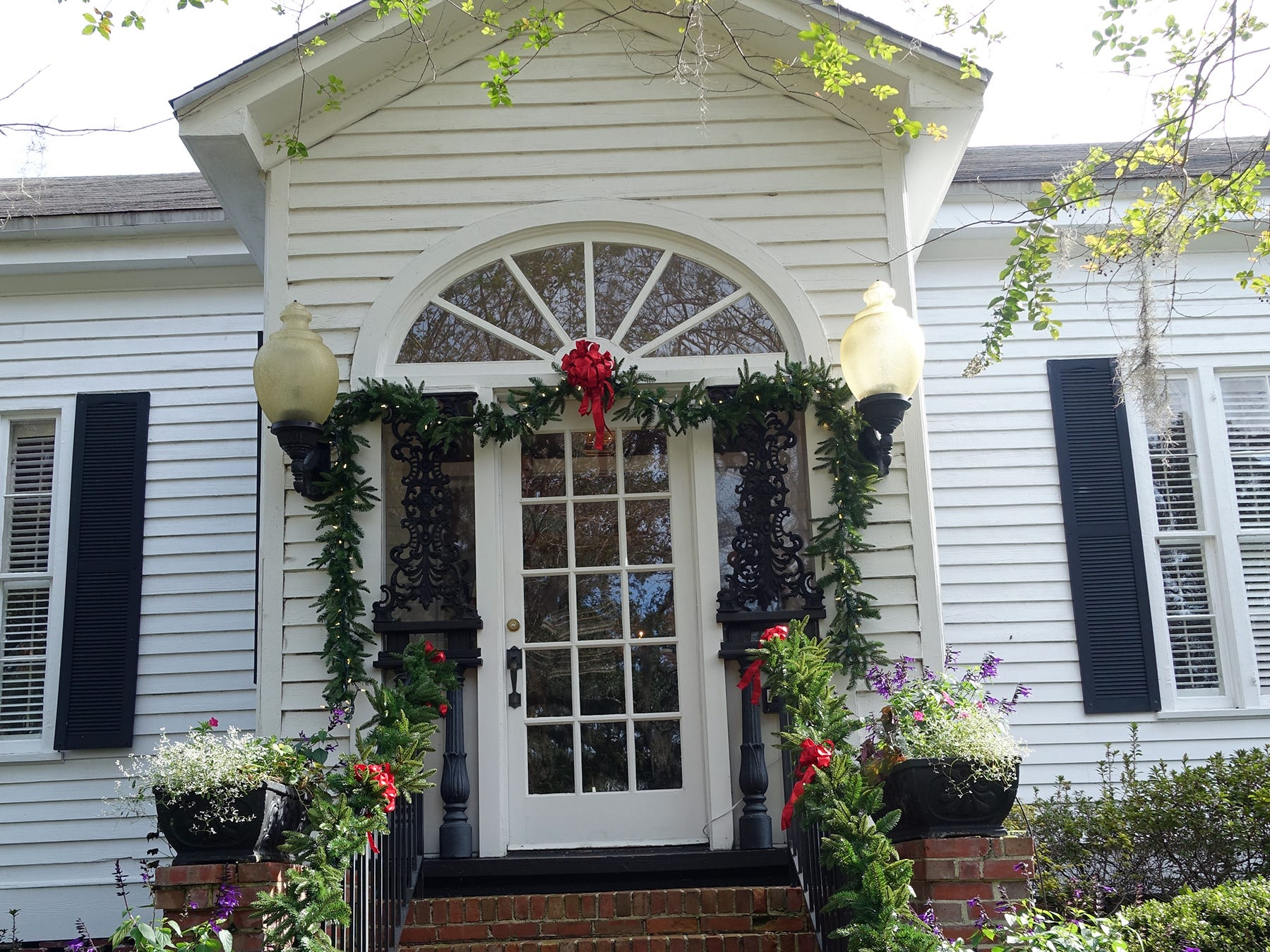 Tallahassee Garden Club decked out for Christmas Tea