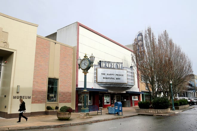 Bremerton is moving along with plans to create a $5 million public square on Fourth Street near Pacific. City leaders hope to name it for Quincy Jones but want to get an official approval from the music legend.