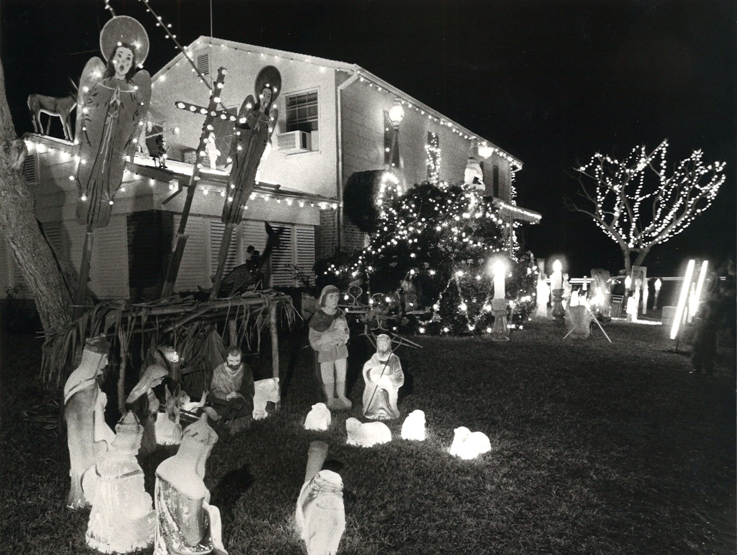 Billy Aldridge's house on the corner of Delaine and Doddridge decorated for Christmas in 1981.