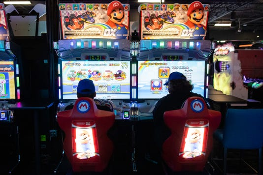 2282089002 Dave And Busters 22