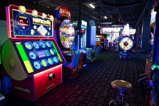 2282089002 Dave And Busters 2