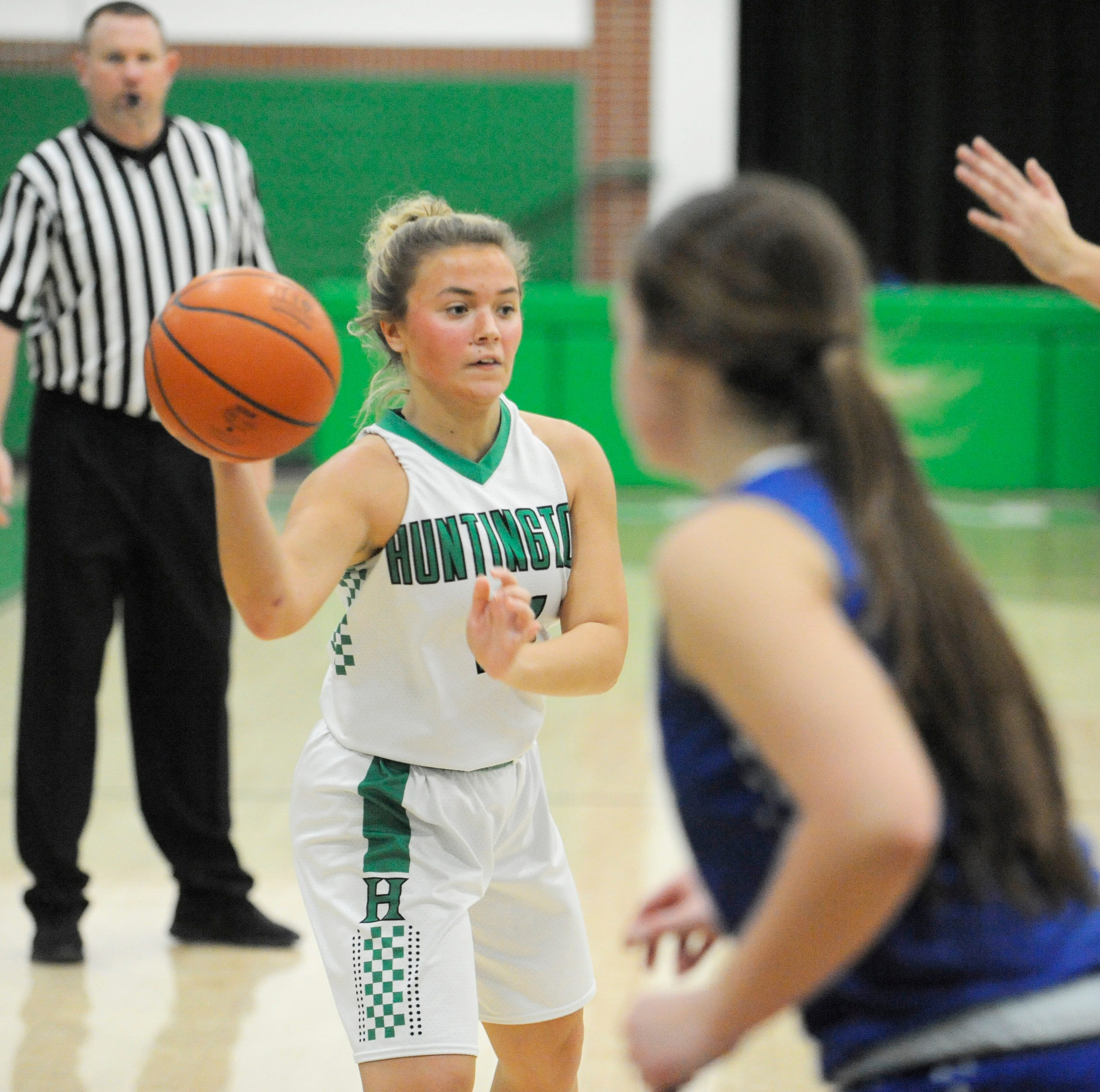 Huntington uses strong second quarter to defeat SE 51-45