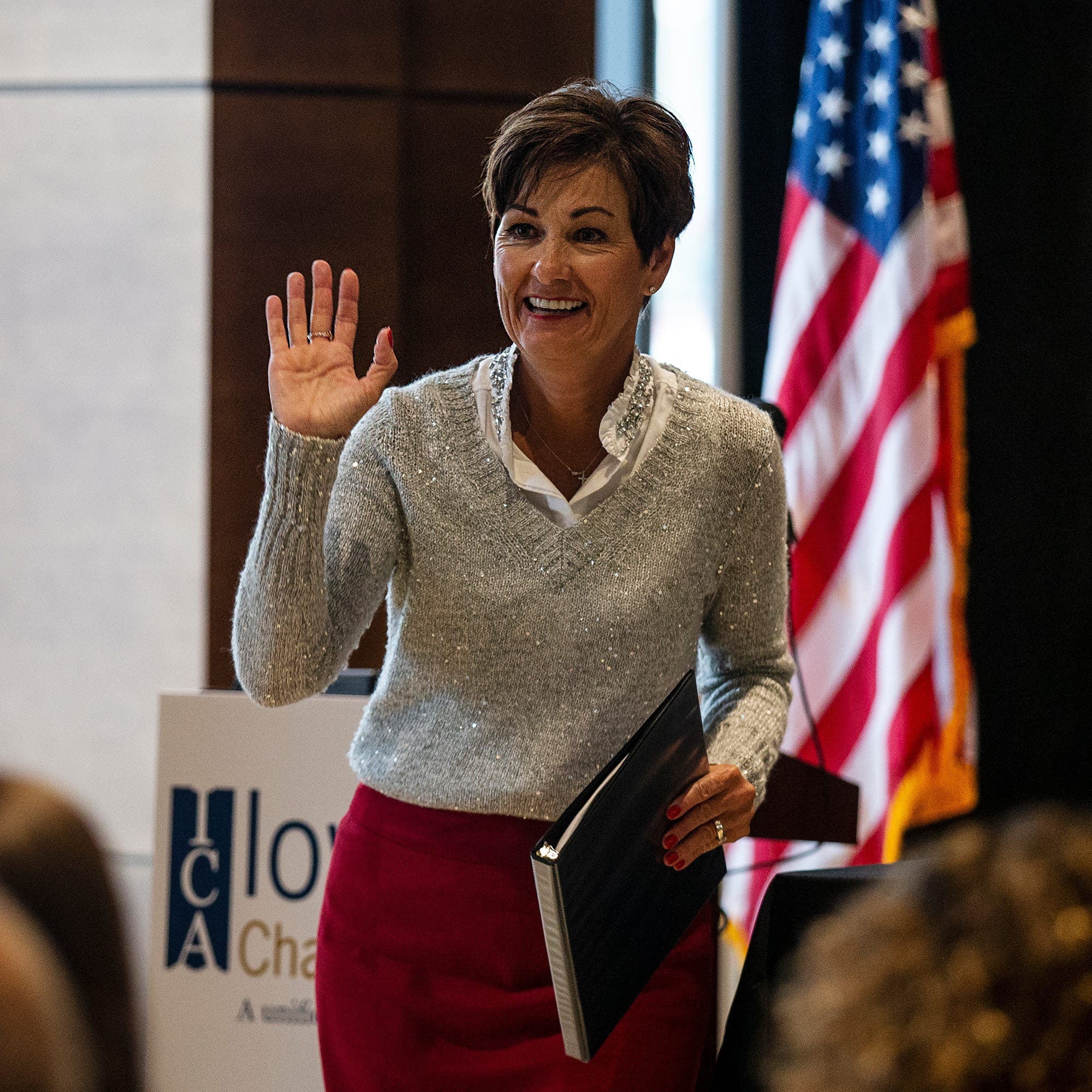 Iowa Governor Kim Reynolds makes (friendly) wager on an Iowa State Alamo Bowl victory