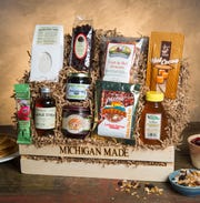 Michigan Farm Market packages gifts sets with Michigan specialty items.