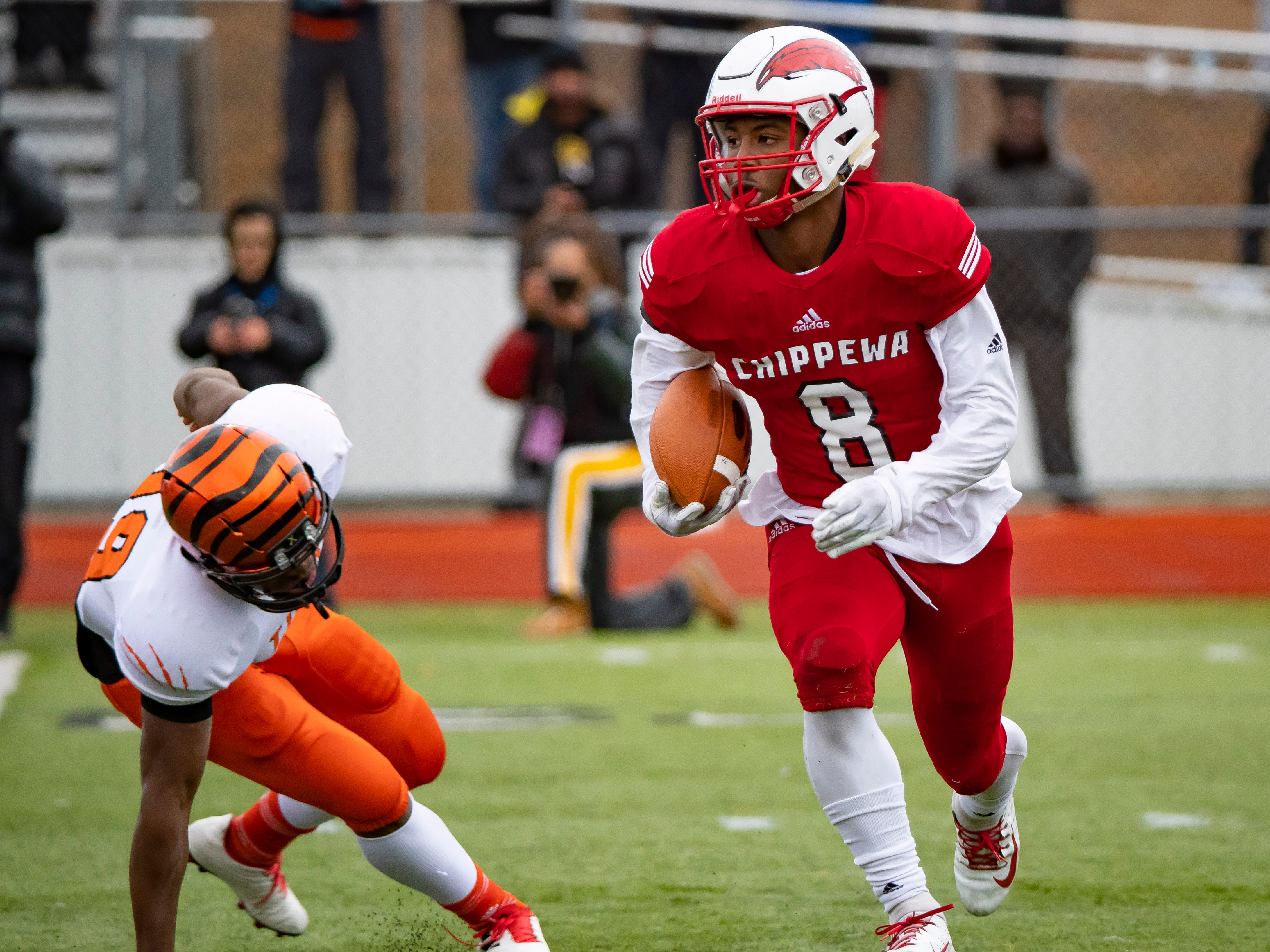 """11. David Ellis, Clinton Township Chippewa Valley (Indiana) — WR/CB/6-0/190: Ellis — a Dream Team member — was the premier three-way player in the state, showing his ability to play at a high level on offense, defense and special teams, scoring on a 99-yard touchdown run and an 80-yard touchdown pass in a regional final win over Dearborn Fordson, then scoring on a 94-yard kickoff return in a Division 1 state championship game win over Clarkston at Ford Field. He had 39 receptions for 636 yards and more than 1,700 all-purpose yards and 20 touchdowns, five scores coming on special teams. He also got in on 45 tackles while breaking up five passes. """"He's a phenomenal athlete and a tough kid,"""" coach Scott Merchant said."""