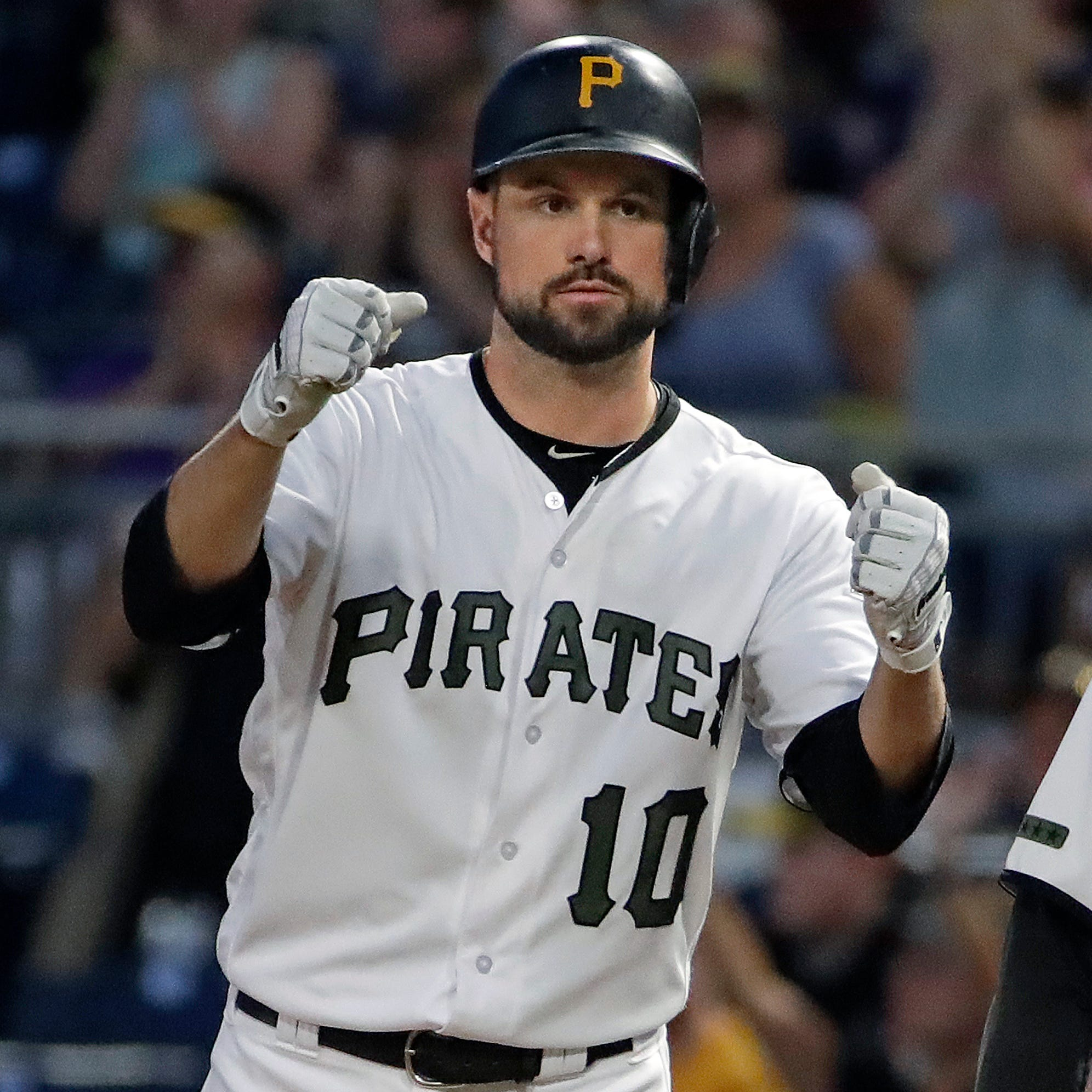 Tigers closing in on a one-year deal with shortstop Jordy Mercer