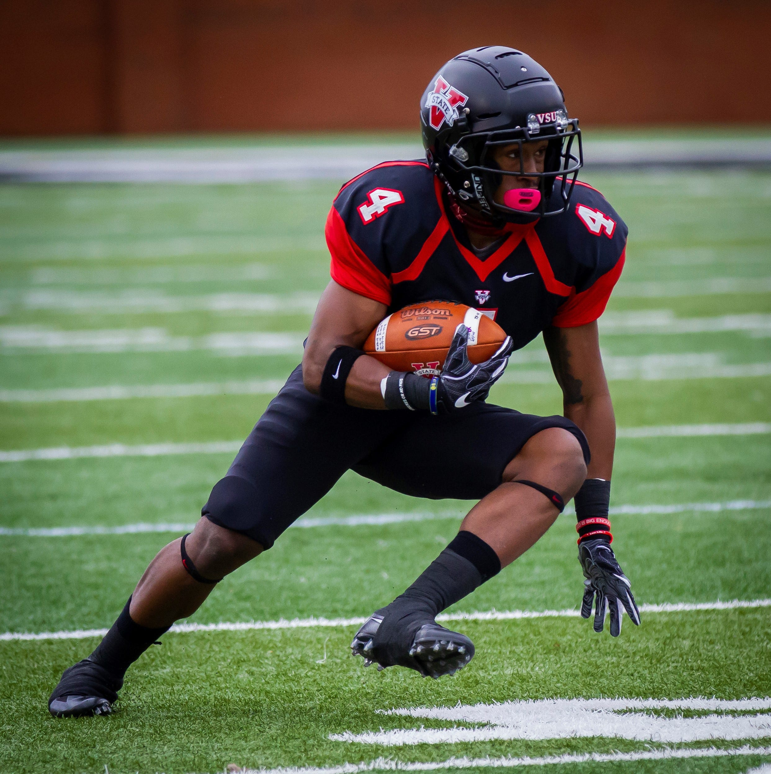 Dunbar grad Kenny Benjamin, Valdosta State reach Division II football national title game