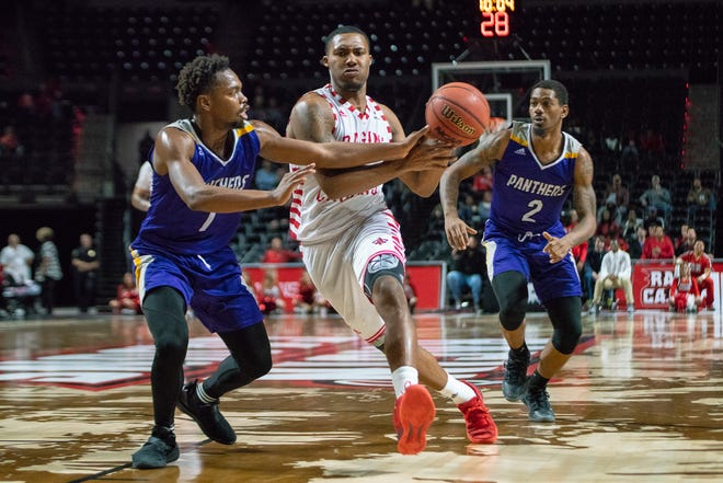 UL's Jerekius Davis drives to the basket during his career-high 27-point performance in the Cajuns' 122-90 win over Prairie View A&M on Tuesday in the Cajundome.