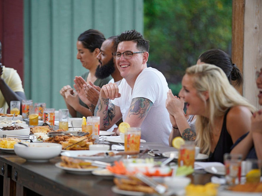 """""""Top Chef"""" contestants enjoy a traditional Kentucky meal on episode 2 of season 16."""
