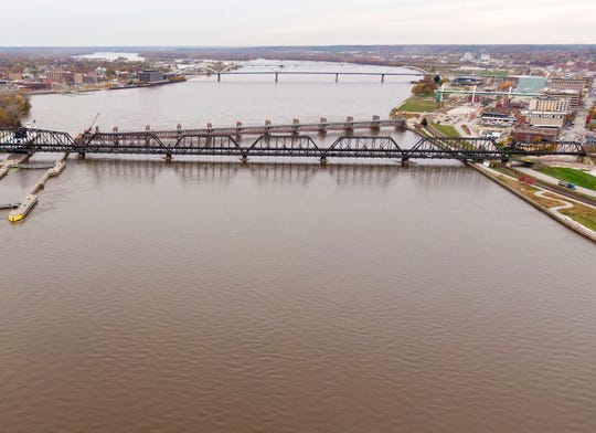 """The Mississippi River is shown in November as it flows through Davenport. A government task force said in 2008 it would cut nitrate and phosphorus pollution washing into the river 45 percent by 2015. Not only has that not happened, but a """"dead zone"""" at the mouth of the river is three times as large as it was supposed to be by this time."""