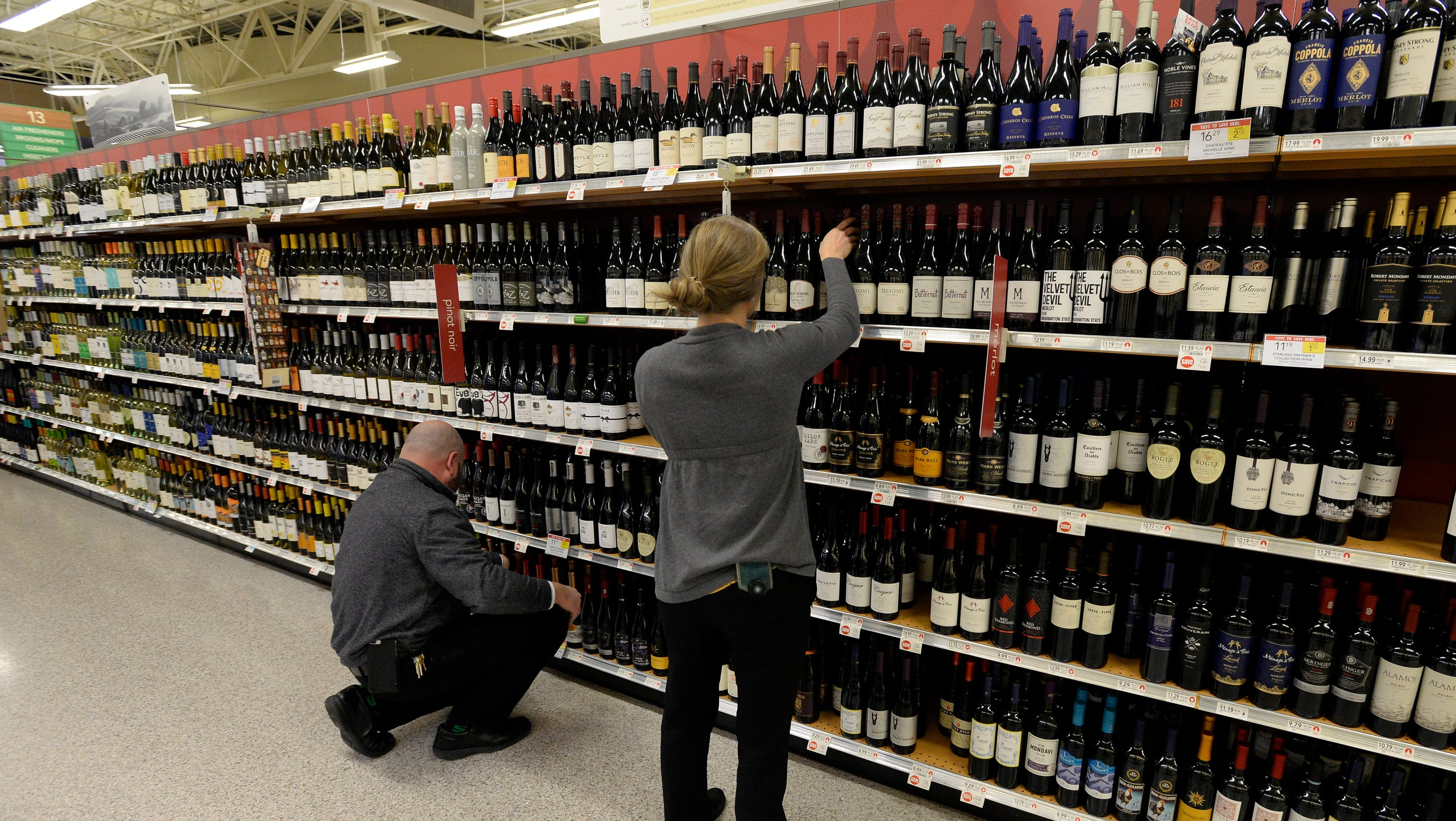 Can you buy wine on Sunday in Tennessee?